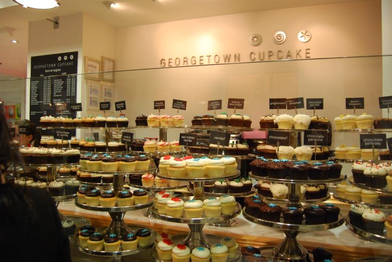 menurut saya cupcakes di sini overrated sih :p. rasanya ngga spesial