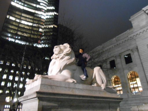 sempat ketemu patung singa juga