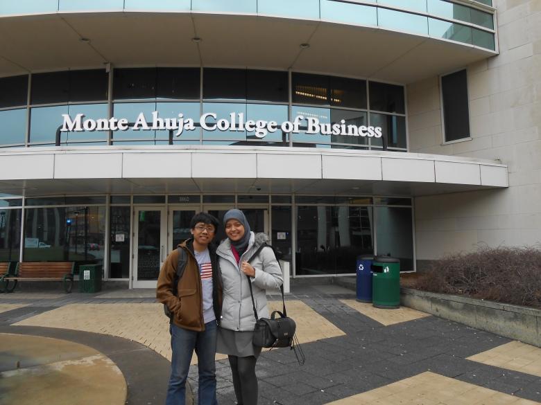 sekolah bisnis di Cleveland State University