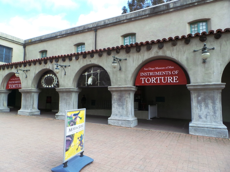 bagian depan Instrument of Torture