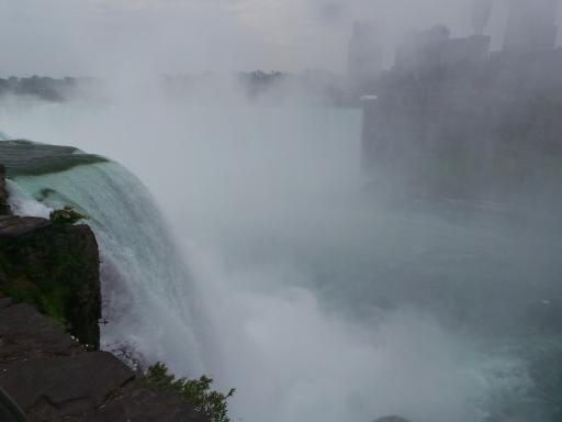 Horseshoe Falls, terlihat lebih ganas kan?